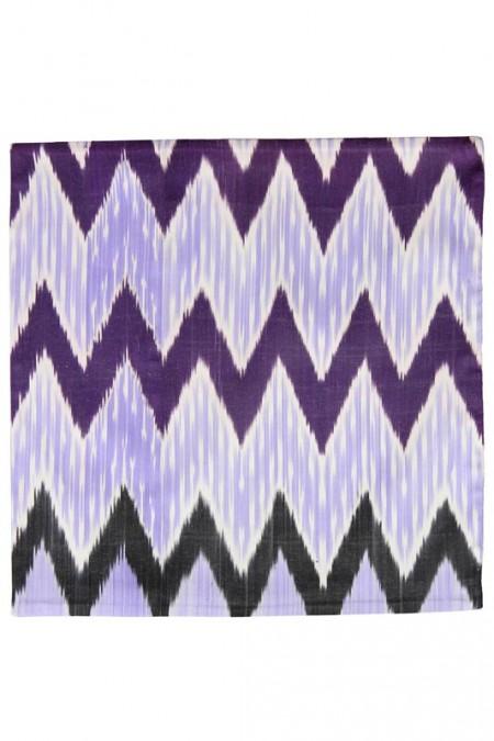 Silk Ikat Pillow 50 x 50 PZ Pyramide 1